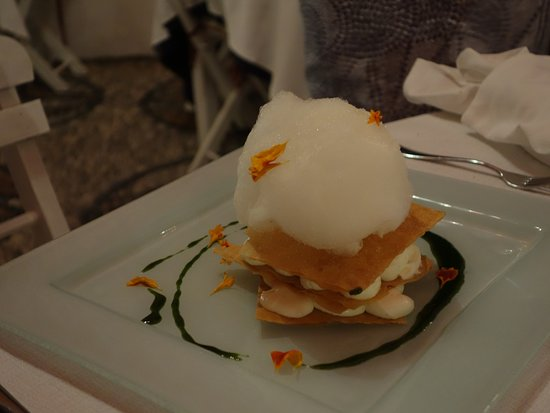 Melenos Roof Top Dining: Millefeuille - avant