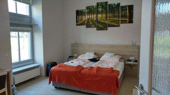 Schieder-Schwalenberg, Germany: Schön breites und gemütliche Bett und vor allem eine schöne Atmosphäre!
