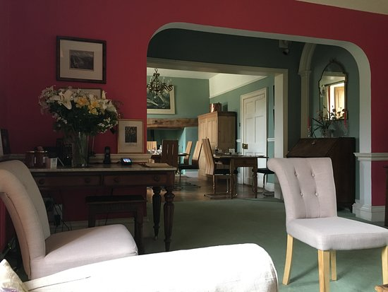 Farrington Gurney, UK: The sitting and Breakfast room