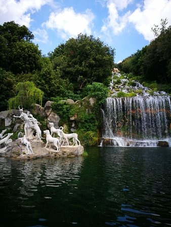 Казерта, Италия: Fountain of Diana and Acteon, Royal Palace of Caserta Park