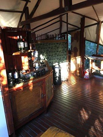 Teniqua Treetops: Common room in two bedroom treehouse