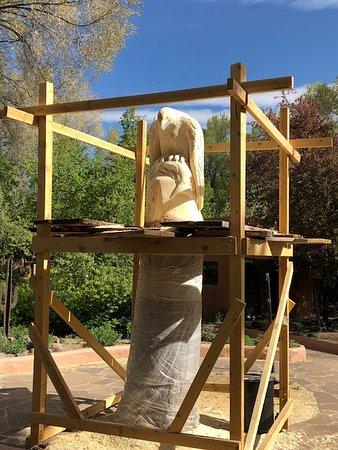 Ranchos De Taos, نيو مكسيكو: Eagle sculpture (in progress)