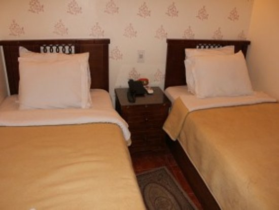 Milano Hostel: Deluxe Double Room With Free Complementary Breakfast And Soft Drink