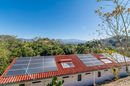 Atenas, Costa Rica: Systema de energia solar del hotel
