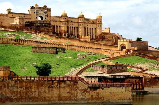 Private Tour Guide In Jaipur With...