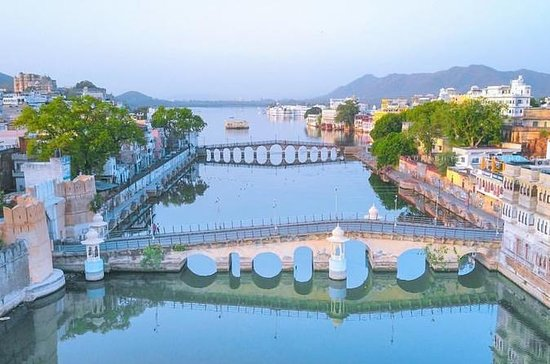 Private Tour Guide In Udaipur With...