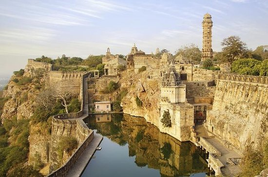 Private Tour Chittorgarh with...