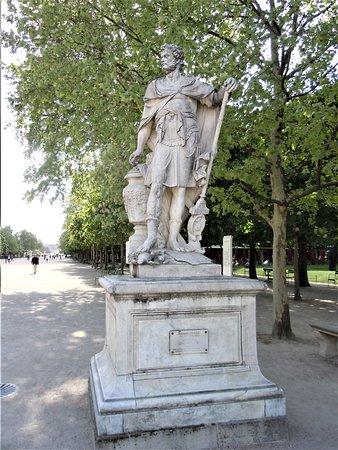 """La statue """"Annibal"""""""