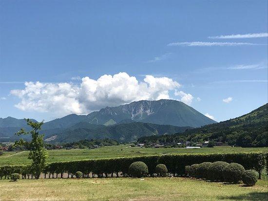 Daisen-cho, Japão: 公園から大山を望む
