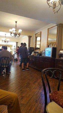 Best Western Plus Victorian Inn: 20180511_085837_large.jpg
