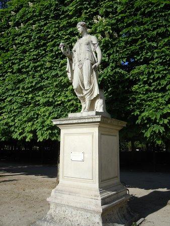 """La statue """"Flore Farnèse"""""""
