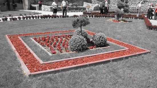 Fruska Gora Monasteries: interno giardino