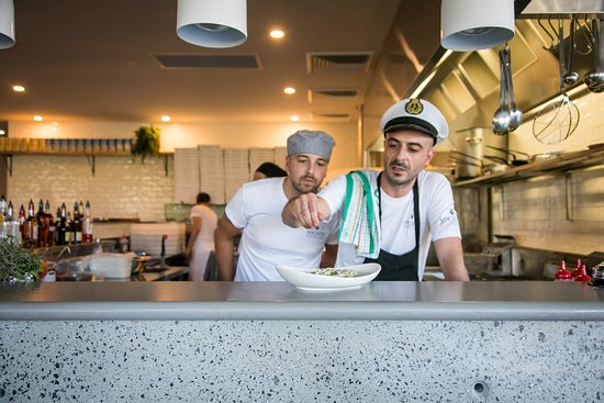 Rooty Hill, Australia: OPEN BREAKFAST, LUNCH & DINNER  Eat in or Take Away