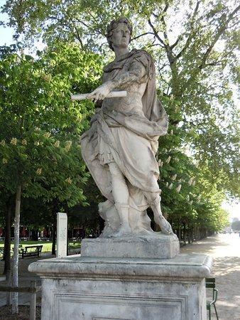 "La statue ""Jules Cesar"""