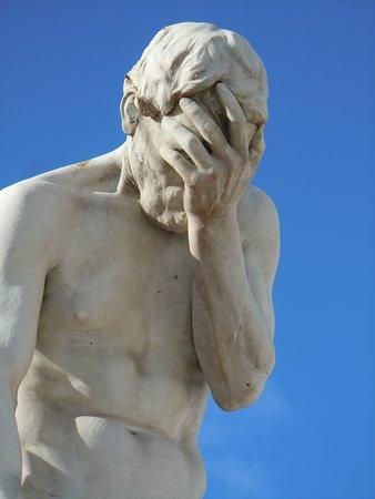 Statue Cain Venant de Tuer son Frère: Détail de la sculpture