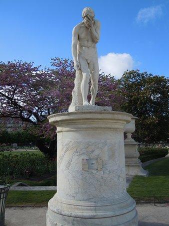 Statue Cain Venant de Tuer son Frère