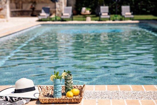 Pool - Picture of Nefeli Villas & Suites, Nea Skioni - Tripadvisor