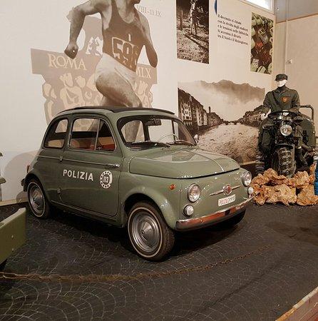 Fiat 500 Della Polizia Di Stato Foto Di Museo Delle Auto Della