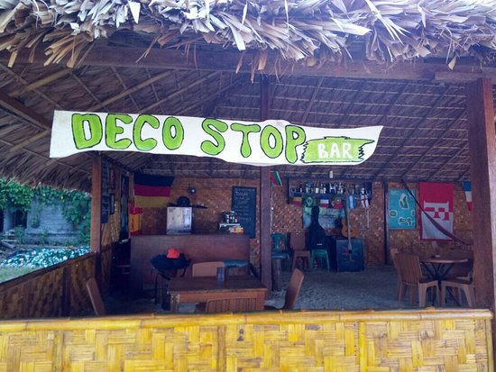 Deco Stop Cafe N Bar