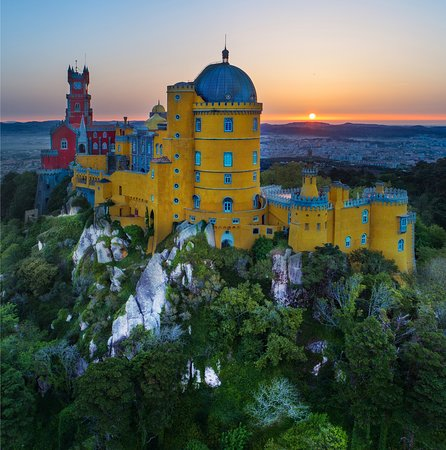 Linho, Portugal: Pena Palace in Sintra