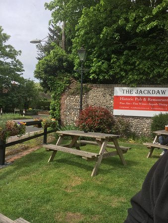 Denton, UK: Pub garden at the front (there is also one at the rear)