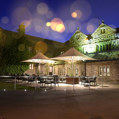 Gisburn, UK: Champagne Terrace