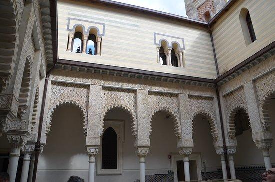 Grizzana Morandi, Italia: Un cortile interno