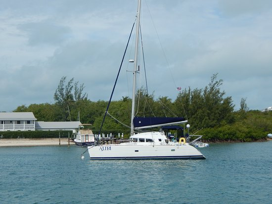 Marsh Harbour, Great Abaco Island: The Alibi