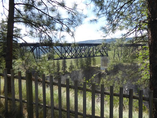 Summerland, Canadá: trout creek trestle.