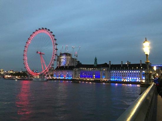 แมร์ริออทท์ ลอนดอน เคาตี้ฮอลล์: View from Bridge