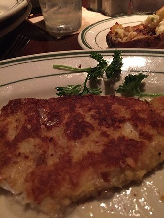 Lincolnwood, IL: Delicious walleye!
