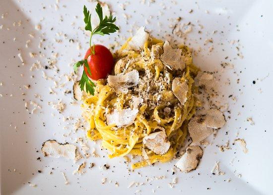 Monteleone d'Orvieto, إيطاليا: tagliatelle tartufo e porcini