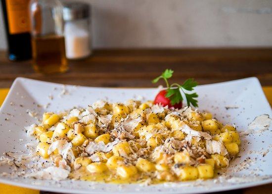 Monteleone d'Orvieto, إيطاليا: gnocchetti tartufo e porcini