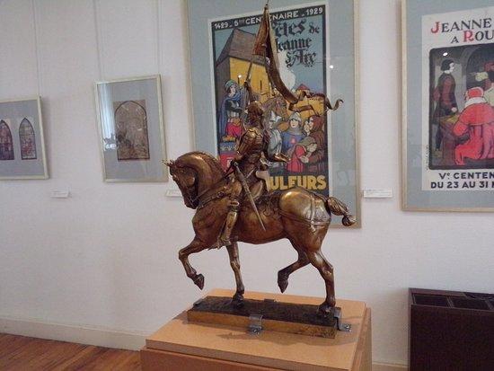 Vaucouleurs, ฝรั่งเศส: Jeanne d'arc en Bronze d'Emmanuel Fremiet