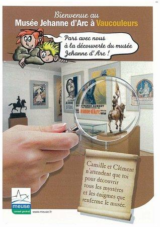Vaucouleurs, ฝรั่งเศส: Pour les enfants Découverte du musée en compagnie de Camille et Clément