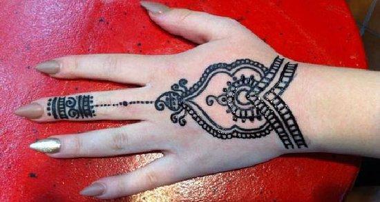 Most Popular Hand Tattoo Picture Of Twister Henna Tattoo