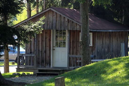 Waterford, PA: Rustic Cabin Rentals