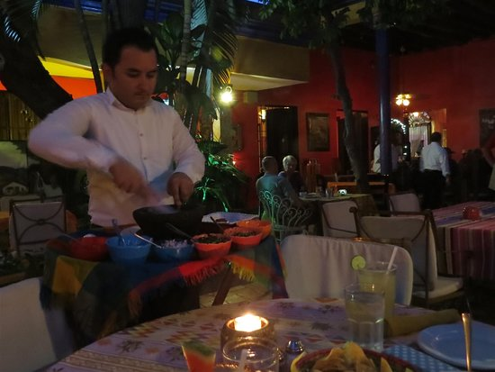 Topolo: Salsa being made at our table