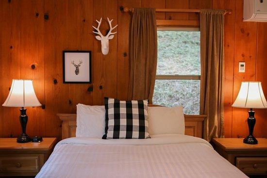 Sequoia Village Inn: Columbine Cabin