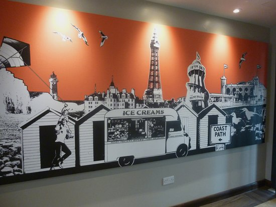 Denbighshire, UK: I did wonder why they have a picture of BLACKPOOL in the entrance .. Should it not be of RHYL !!