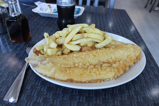 Port Eynon, UK: The Best Fish and Chips on Gower!
