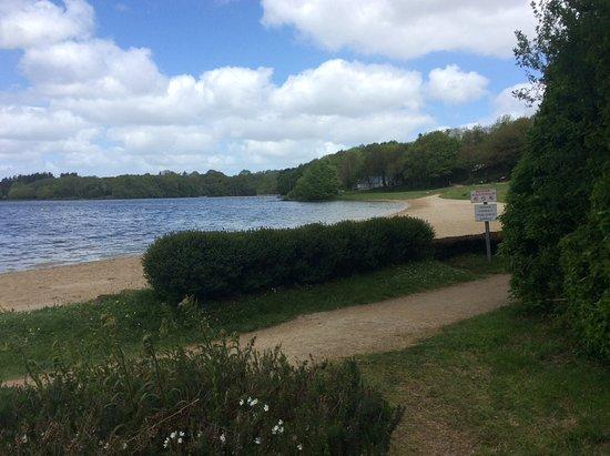 Commana, França: Chemin de randonnée tout autour