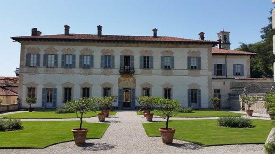 Casalzuigno, Italy: La splendida facciata restaurata