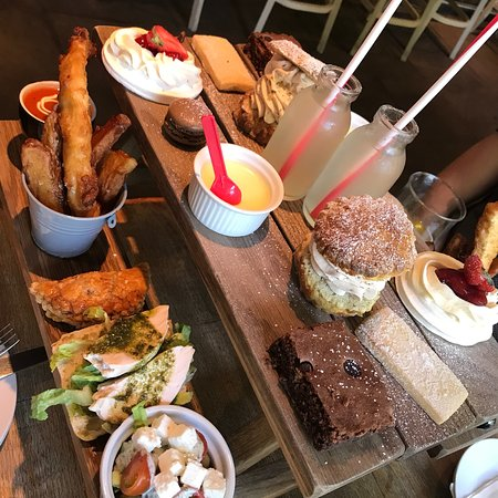 The Fox Bar & Bistro: The best afternoon tea in a long time