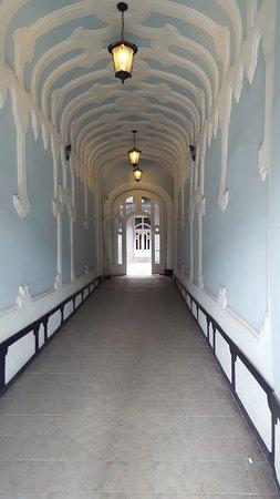 Ground floor entrance way