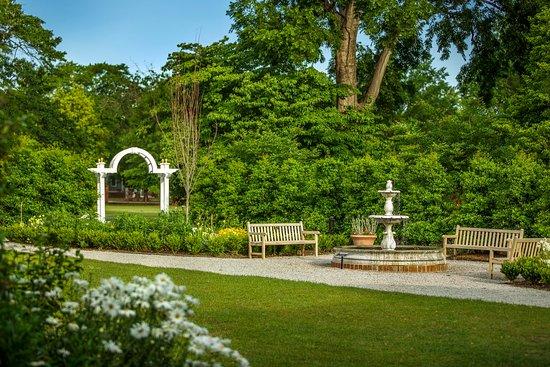 Gardens of the Robert Mills House - Picture of Robert Mills House ...