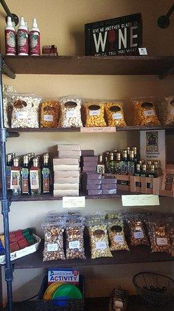 Burleson, TX: Snack shelves