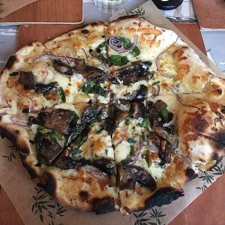 Penbryn, UK: Special pizza night