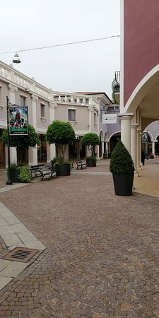 Mantova Outlet Village (Bagnolo San Vito) - 2018 All You Need to ...
