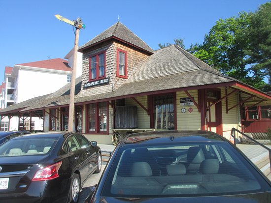 Chesapeake Beach, Мэриленд: Train station with the big resort hotel to the left